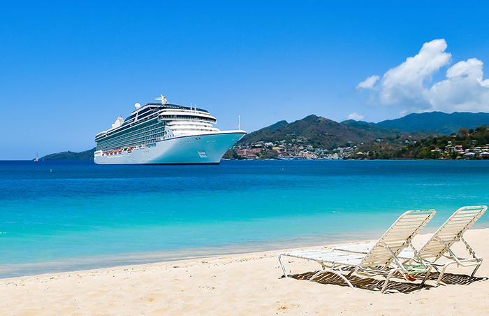 những chiếc du thuyền sang trọng là đặc trưng của phong cảnh Grenada và vùng biển Caribbean.