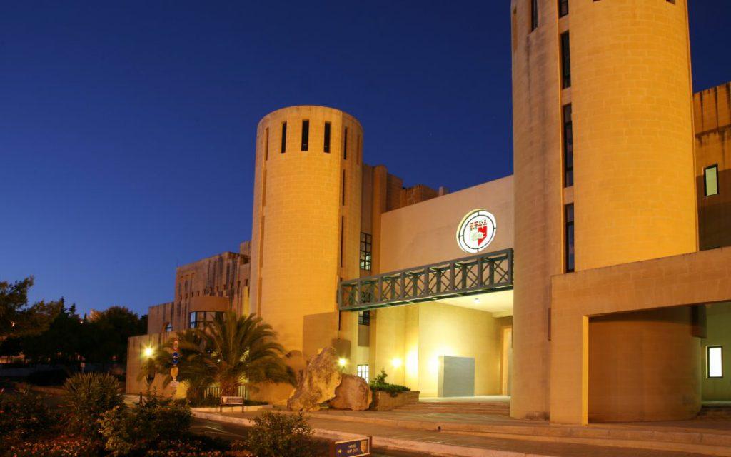 Đại học Malta thường xuyên có những chương trình học bổng toàn phần