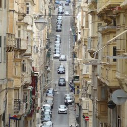 """Cho con """"Du học miễn phí"""" tại Malta với quyền lợi thường trú nhân"""