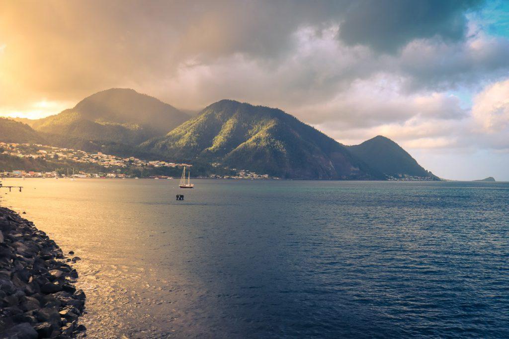 Định cư nhập quốc tịch Dominica