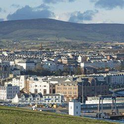 Vì sao nên định cư Anh tại đảo Man?
