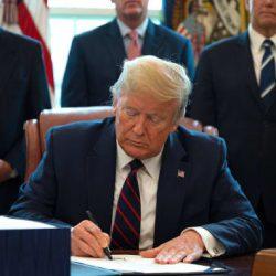 Tổng thống Donald Trump ký gia hạn chương trình trung tâm vùng EB-5 đến ngày 11/12/2020